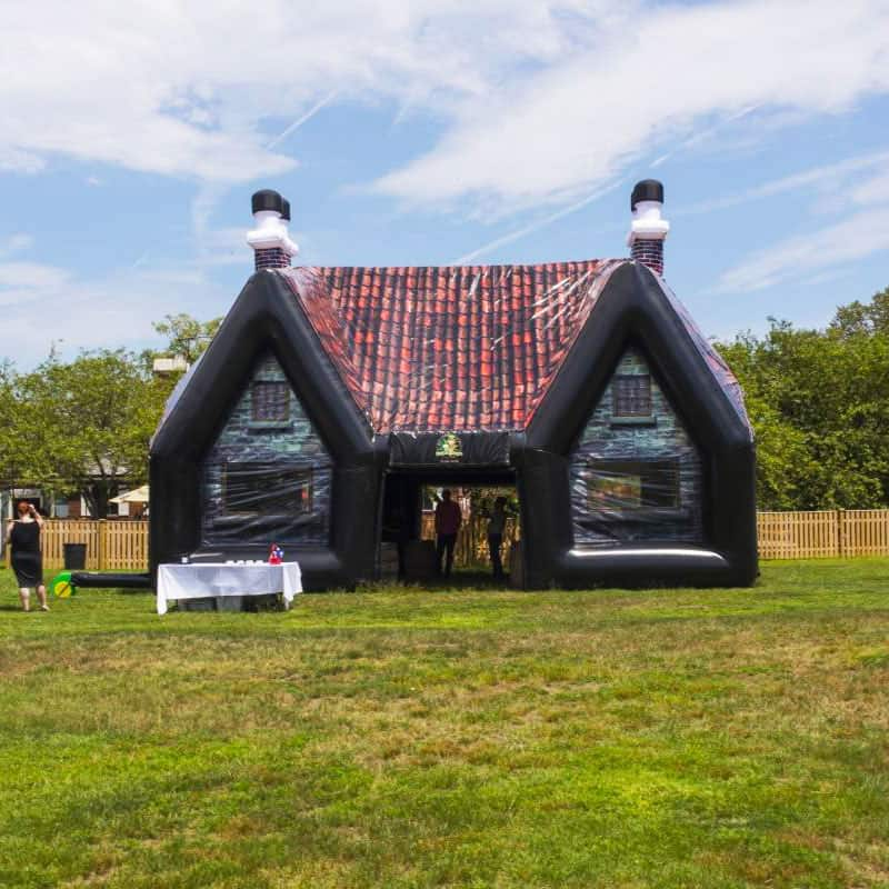 THIS INFLATABLE IRISH PUB TURNS YOUR BACKYARD INTO A BAR