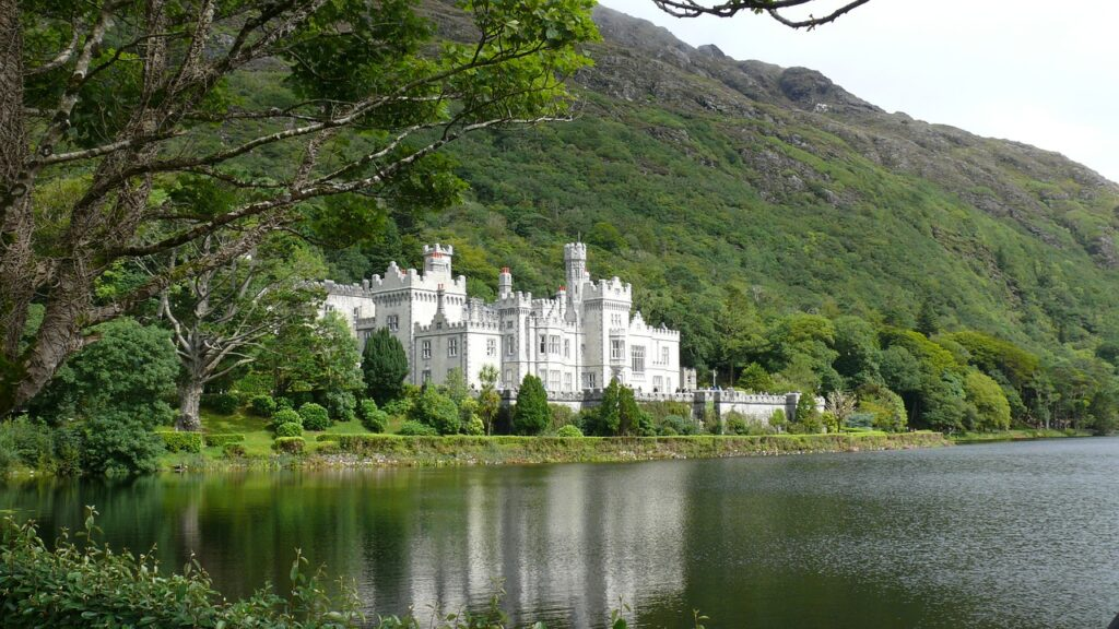 Kylemore Castle Co. Galway - the most beutiful of Irish castles