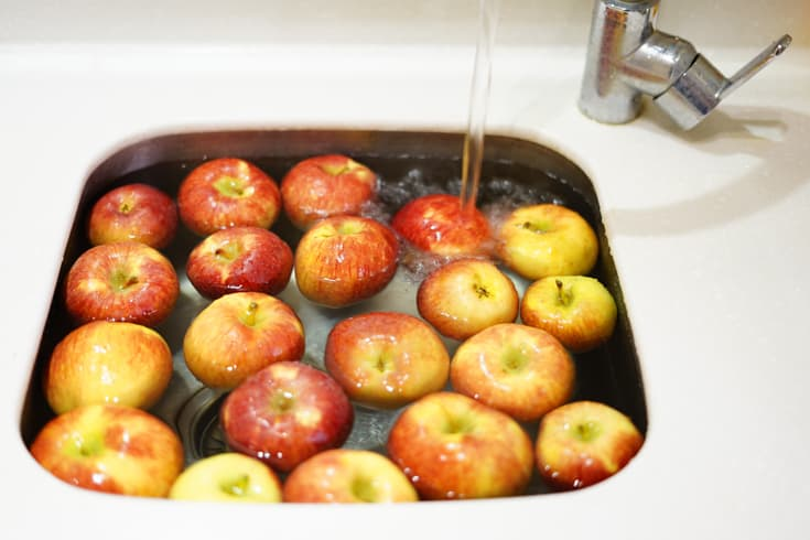 Bobbing for apples a Halloween tradition