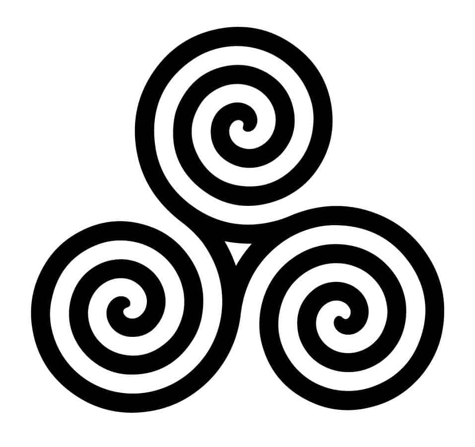 Spiral knot - three-sided knot which stands for water, fire and earth
